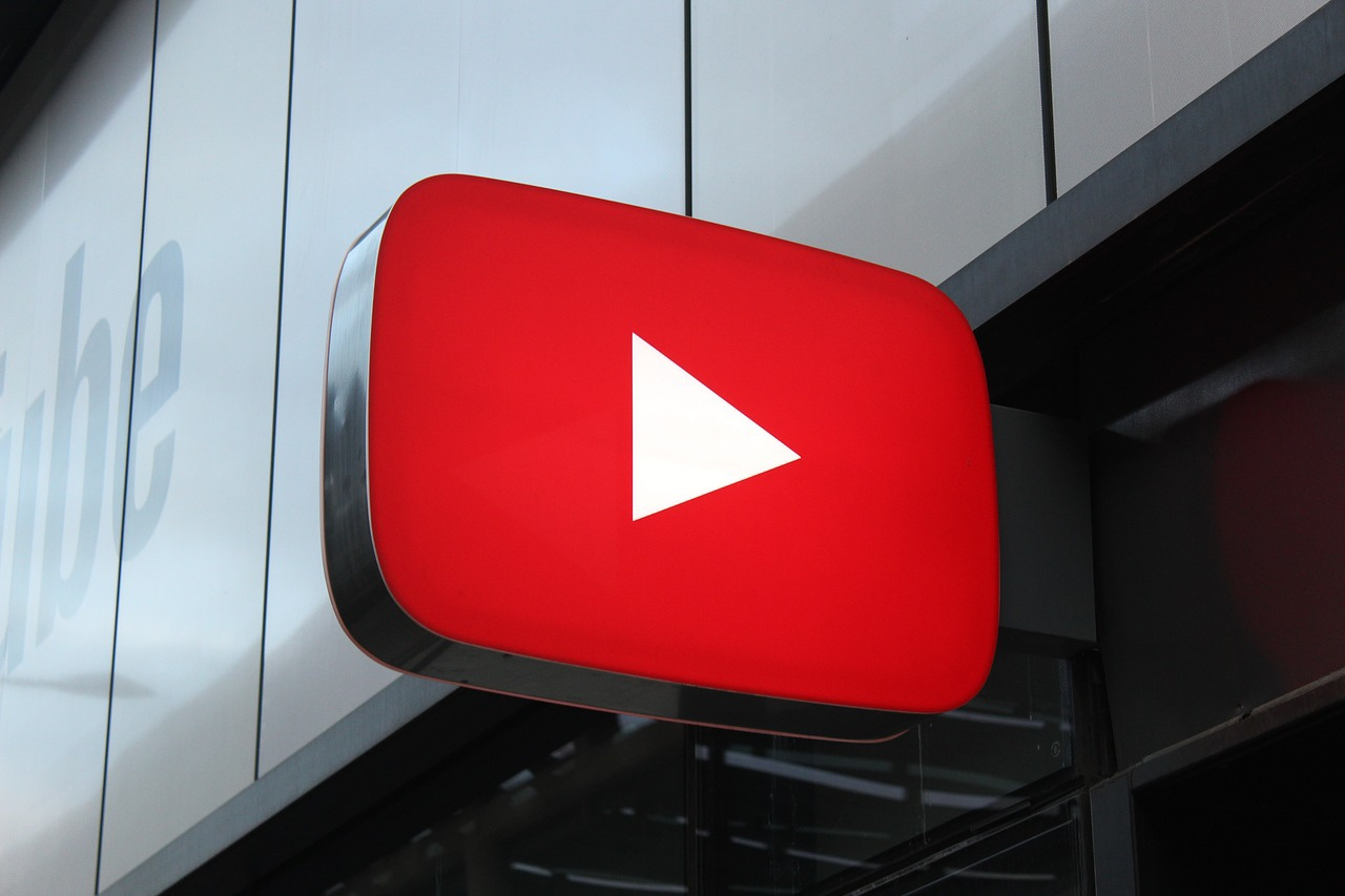 YouTube logo sign outside a YouTube Space.