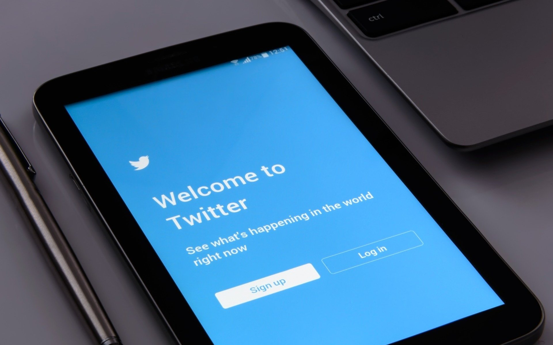 Twitter Sign-in On Mobile Phone